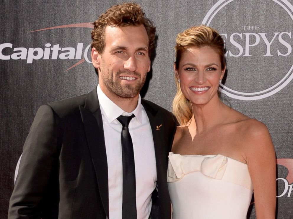 Erin Andrews Chokes Up Talking About How Stalker Video ...