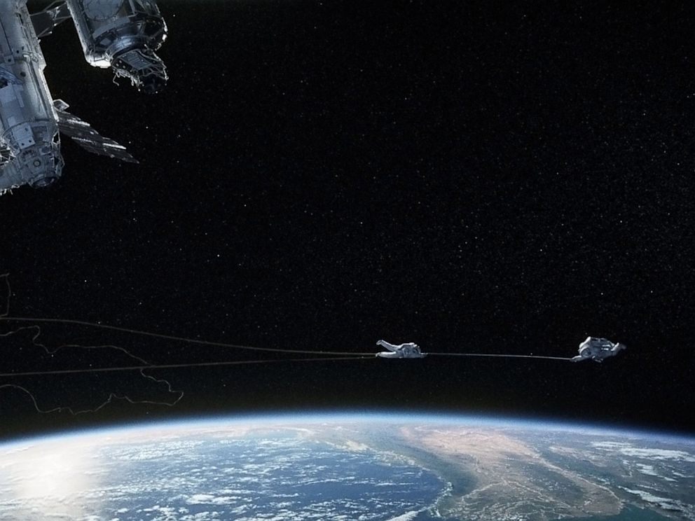 Could 'Gravity' Really Happen? Astronauts, Physicists ...