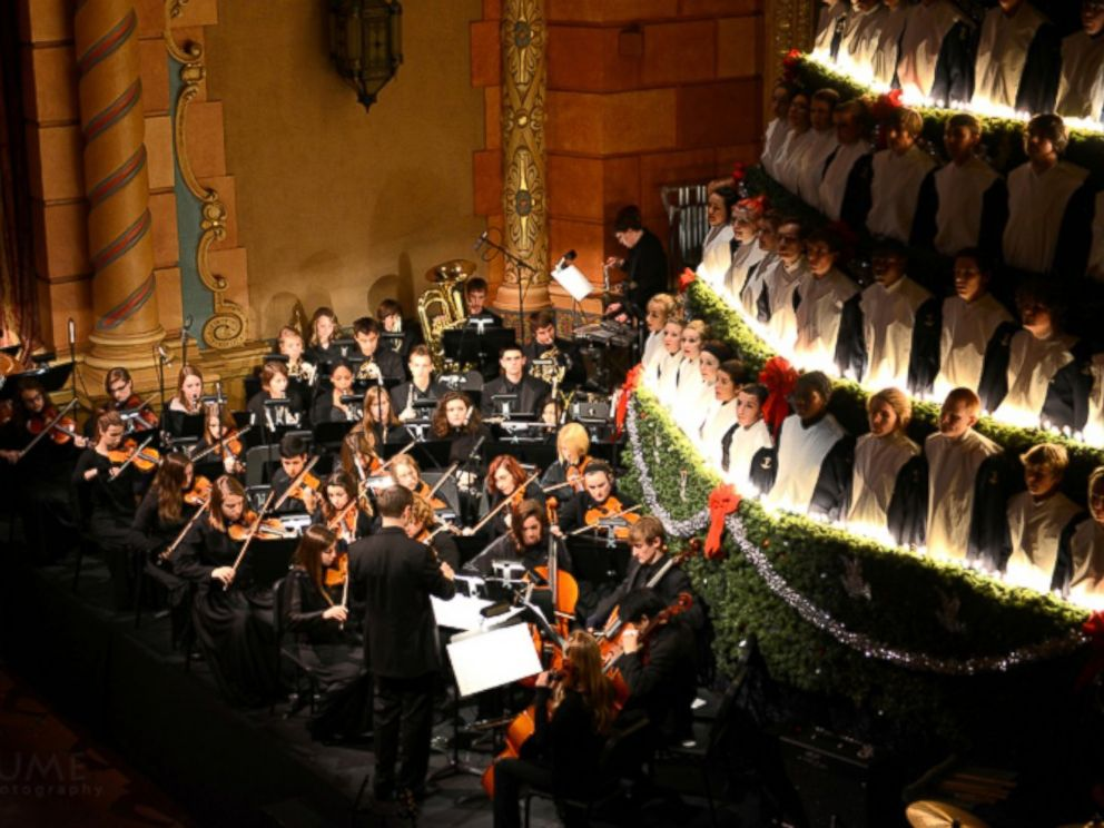 High School Choir Performs As 67-Foot 'Singing Christmas